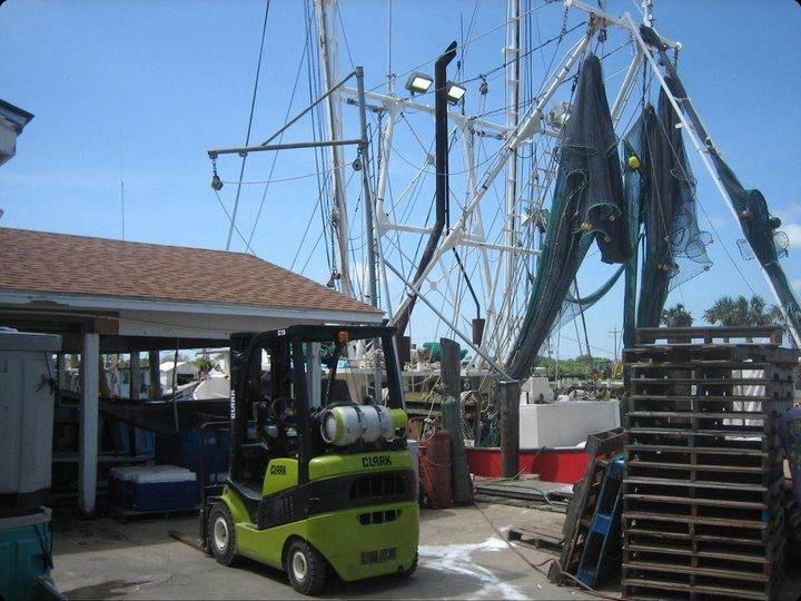 shrimp boat ready to unload